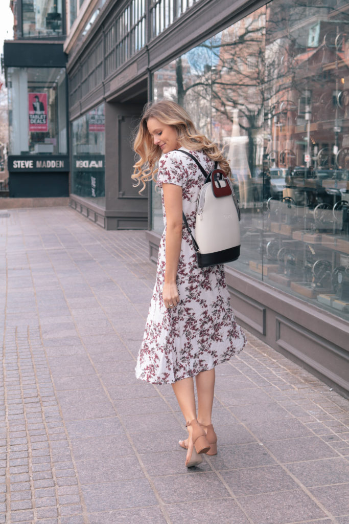 Style blogger Leigha Gardner, of The Lilac Press, on Newbury Street wearing 3 handbags from O Bag Boston for transitioning to spring.