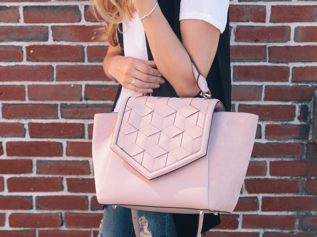 Fashion blogger, Leigha Gardner, of The Lilac Press sharing favorite fashion finds from Amazon Prime Day.