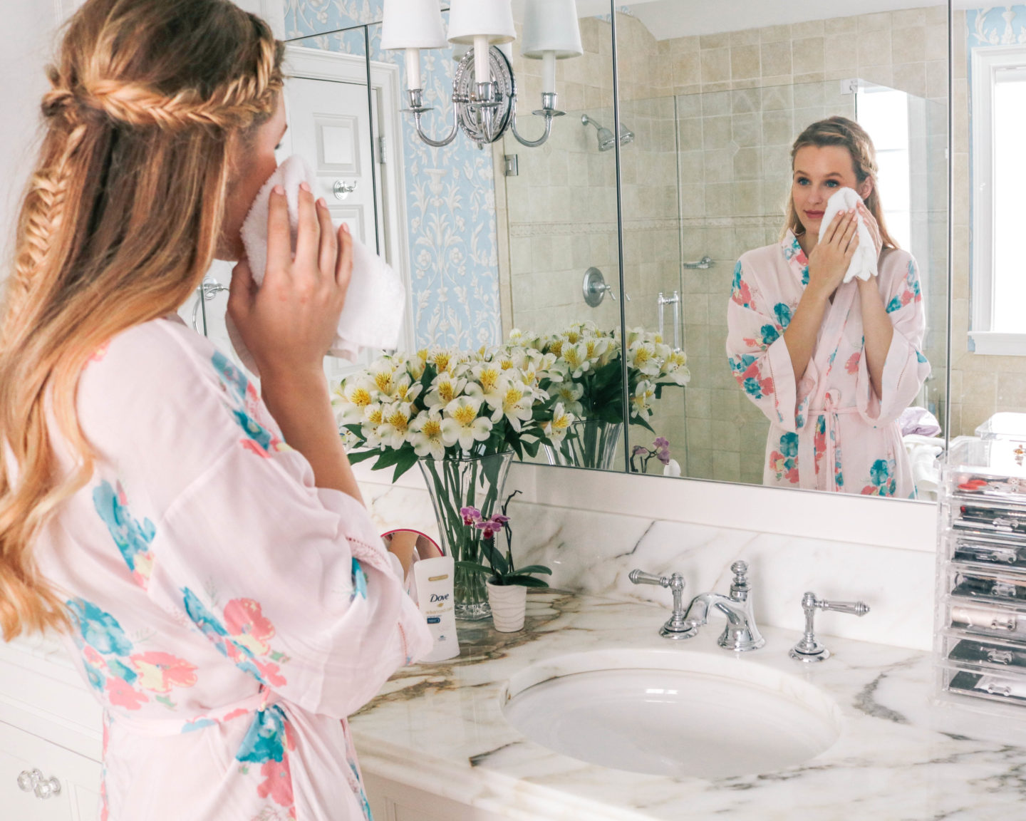 Leigha Gardner of The Lilac Press sharing winter skincare tips from a Dove dermatologist